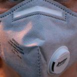 Covid-19 : à Lyon, un ancien Bioforce pour suivre le transit de 4 millions de masques FFP2