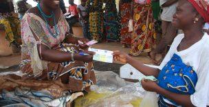 Transferts monétaires : une innovation qui met le bénéficiaire au cœur de l'aide humanitaire